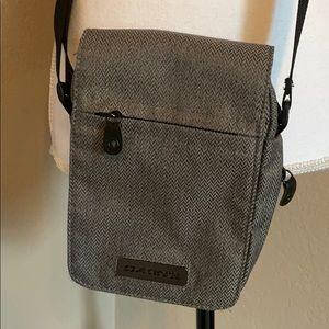 Dakine tweed crossbody bag